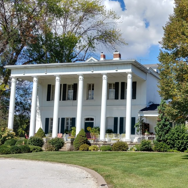 The Guesthouse Retreat mansion, Dallas City Illinois